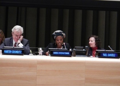 Sandra Uwiringiyimana shares her experience as a survivor of the Gatumba massacre in Burundi. © Parliamentarians for Global Action
