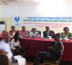 "Participants at the Bamako workshop on ""Approaches to Fighting Impunity for Crimes."" © CICC"