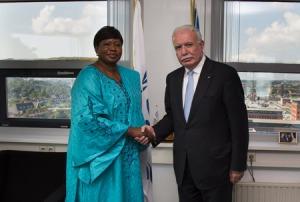 Left: ICC Prosecutor Fatou Bensouda Right: The Foreign Minister of Palestine Mr. Riad al-Malki ©ICC