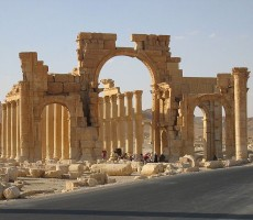 The Monumental Arch at Palmyra. © Xvlun~commonswiki