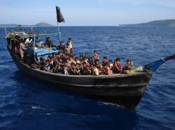 Rohingya flee persecution in Myanmar. © Al Jazeera