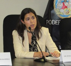 Coalition for the ICC Americas Coordinator Michelle Reyes Milk addresses judges and lawyers at Peru's National Criminal Chamber. © Sala Penal Nacional, Peru